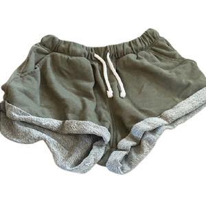 H&M Divided Green Cloth Cuffed Shorts Pockets Med